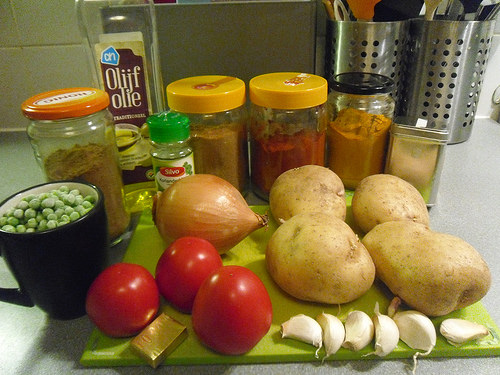 Ingredients Potatoes and peas Curry