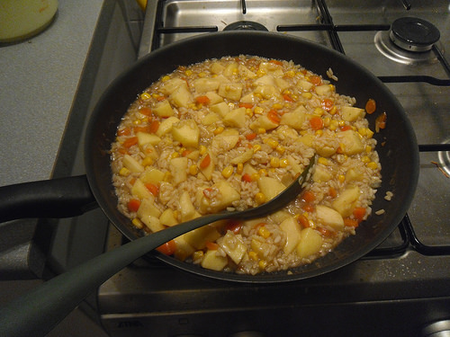 Risotto with apples and corn