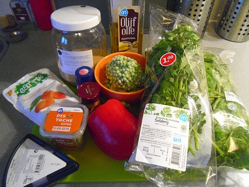 Lukewarm-couscous-salad-ingredients
