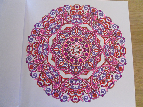 Colouring Mandala red, pink and purple
