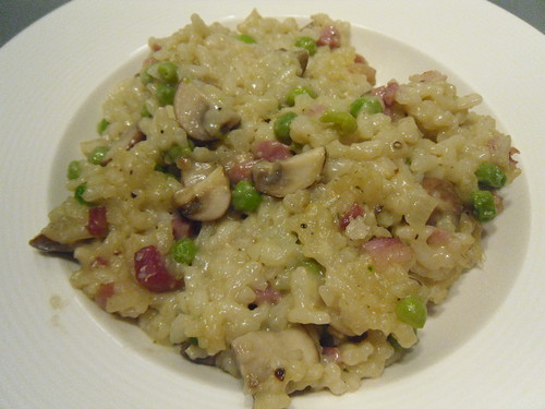 Risotto-with-Bacon-Green-Peas-and-Mushrooms-close-up