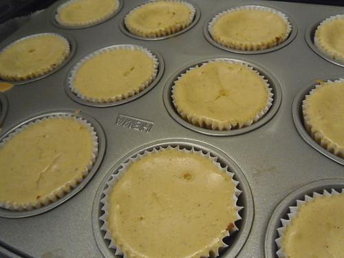 Lola's Kitchen: White Chocolate Mini Cheesecakes Recipe